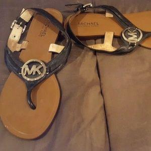 Michael Kors 9.5 black leather sandals flats shoes